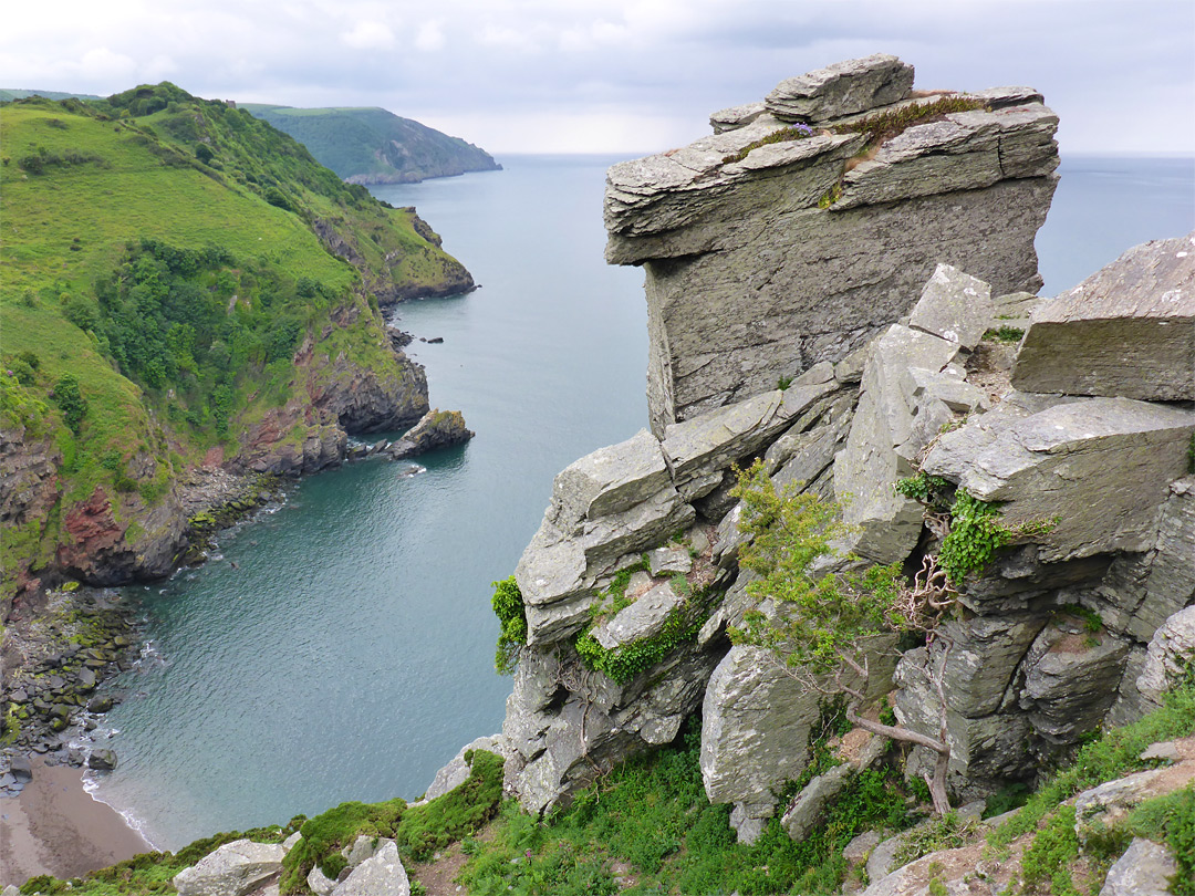 Rocks above Wringcliff Bay