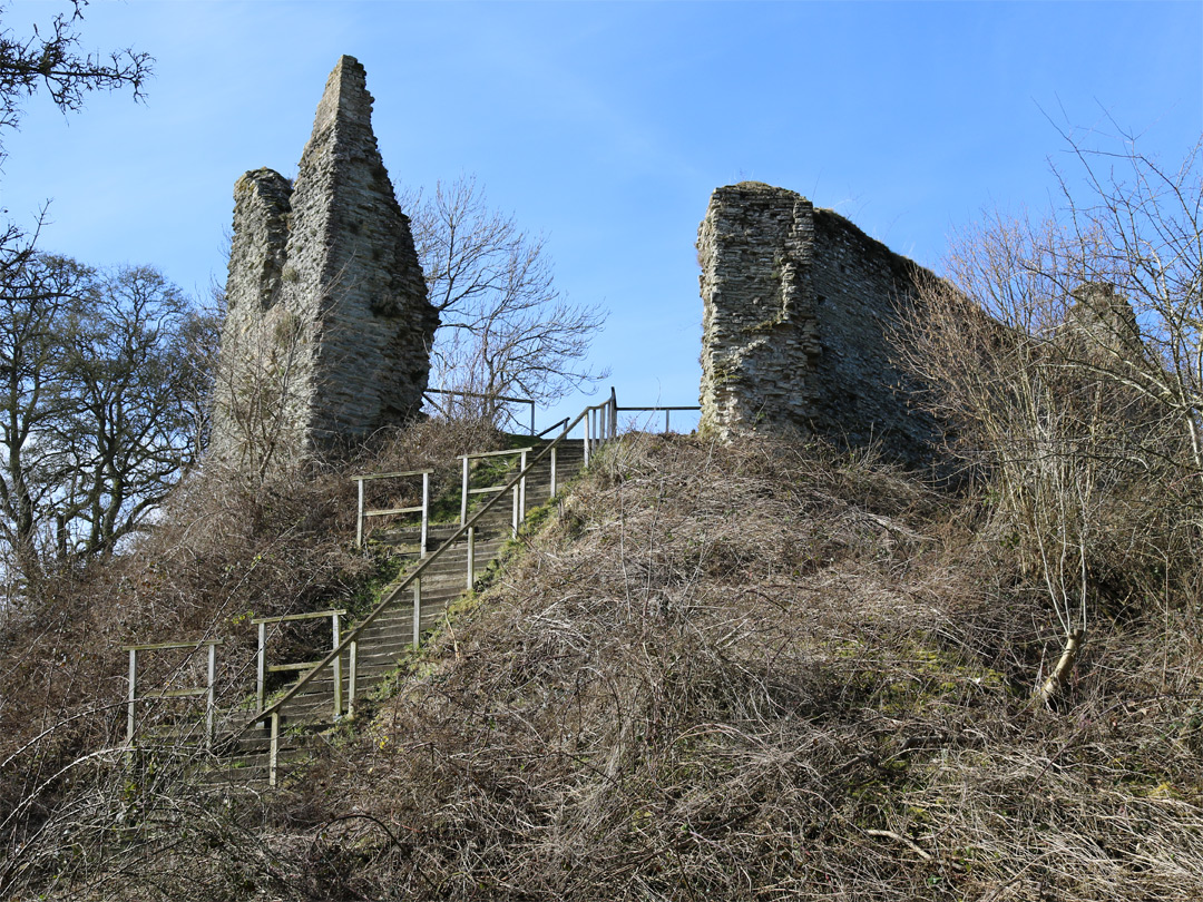 Steps to the keep