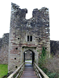 Bridge to the northeast gatehouse