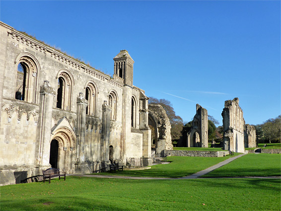 Lady chapel and the ruins of the abbey church