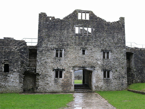 Middle ward and gatehouse