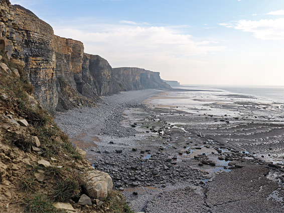 Cliffs to the east